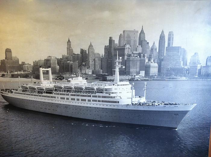 Foute Kersttrui Rotterdam.S S Rotterdam Cruisen Zonder Te Varen
