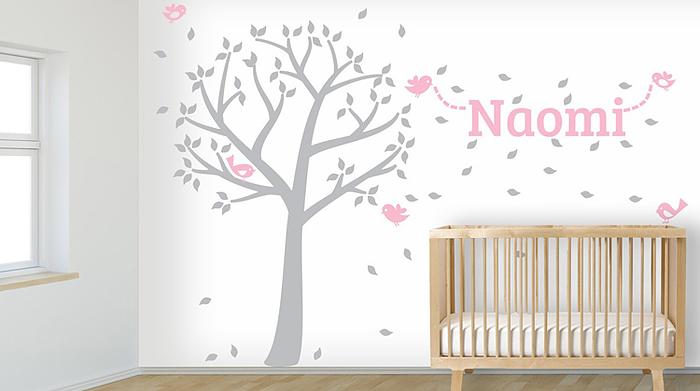 Mooie naamstickers als babykamer decoratie for Kamer decoratie meisje