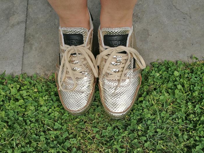 gouden sneakers