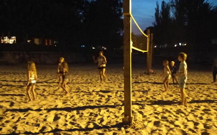 activiteiten met kinderen avond volleybal