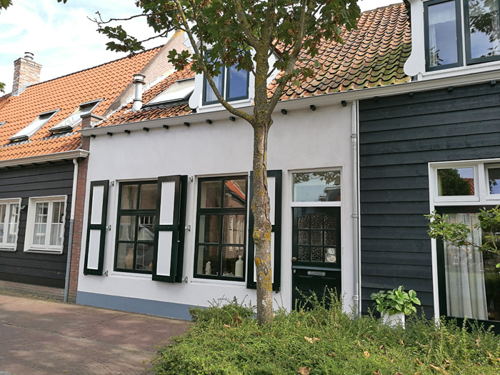 badhotel domburg huisjes in centrum
