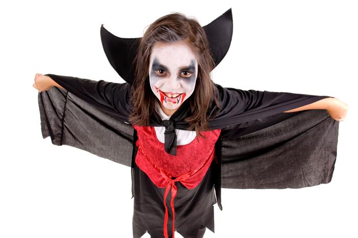 halloween schmink 5 tips voor gruwelijke gezichten en nepbloed maken. Black Bedroom Furniture Sets. Home Design Ideas
