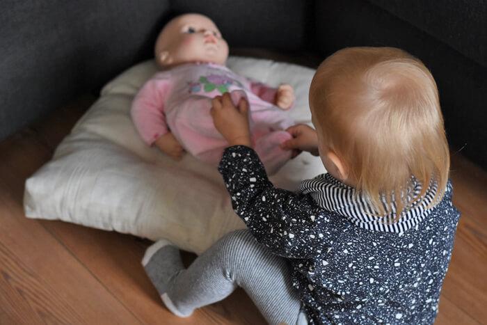 baby annabell gaat slapen