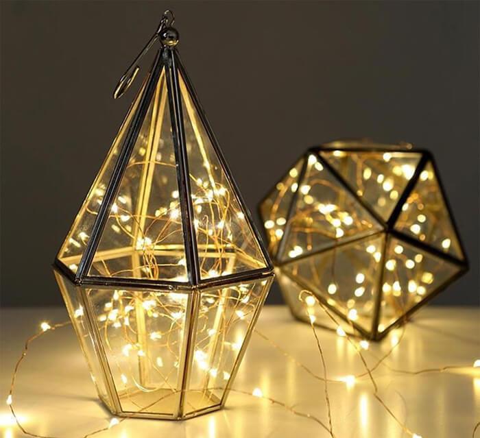 kersttafel dekken met lichtjes