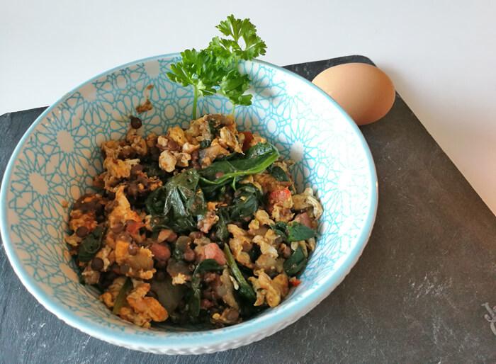 leftovers van linzensoep maken een heerlijke lunch