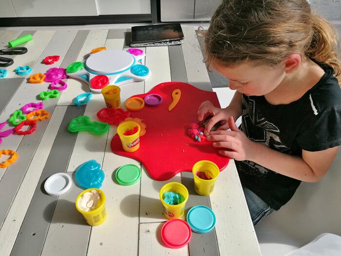 Play Doh Touch Dé Combi Tussen Creatief Met Klei En Virtual Reality