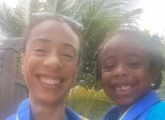 wonen op Aruba, werkende moeder en dochter