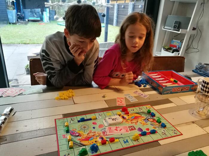 junior monopoly spelen