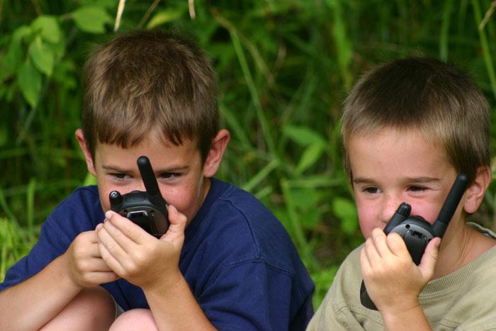 walkie talkie spelen bij tent