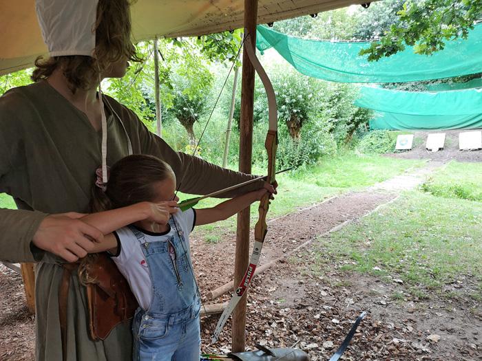 Boogschieten in het Archeon museumpark