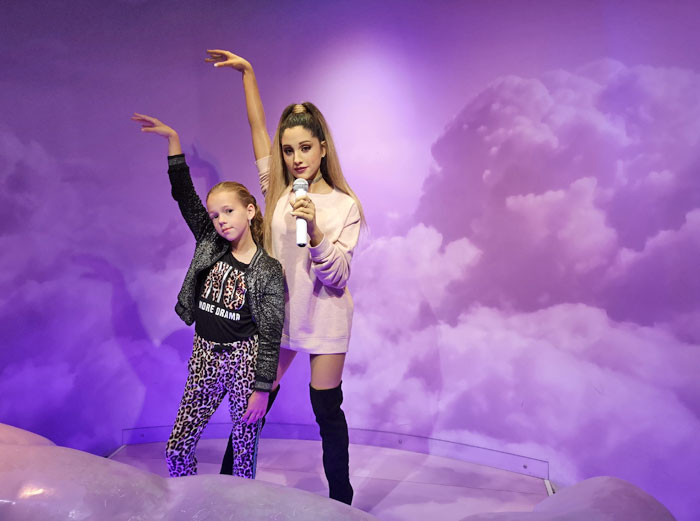 Lotte met Ariane Grande bij Madame T
