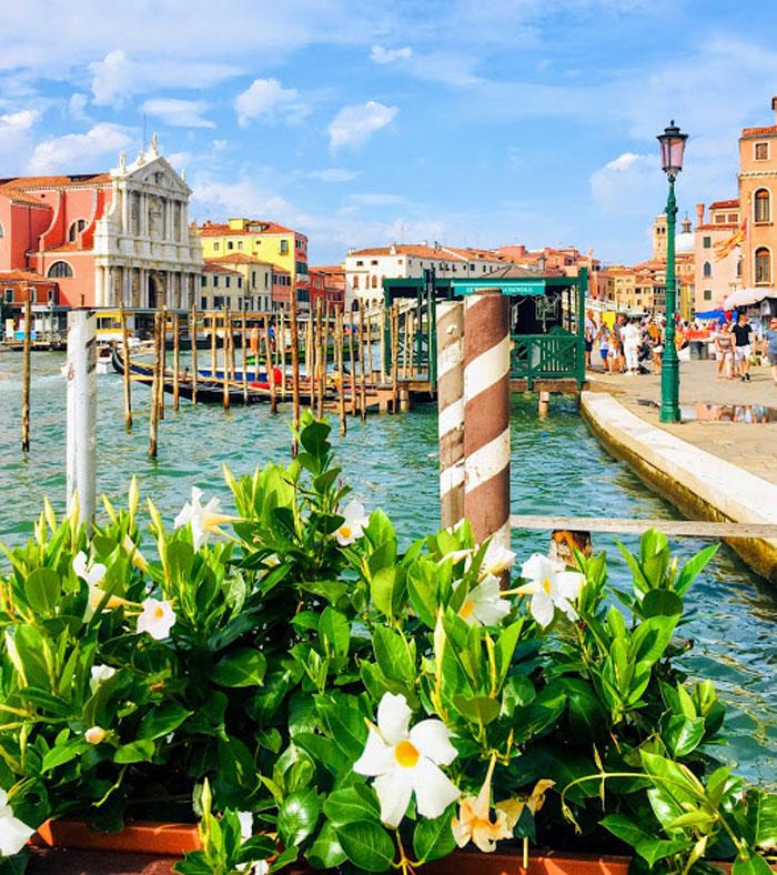 Venetie met gondels