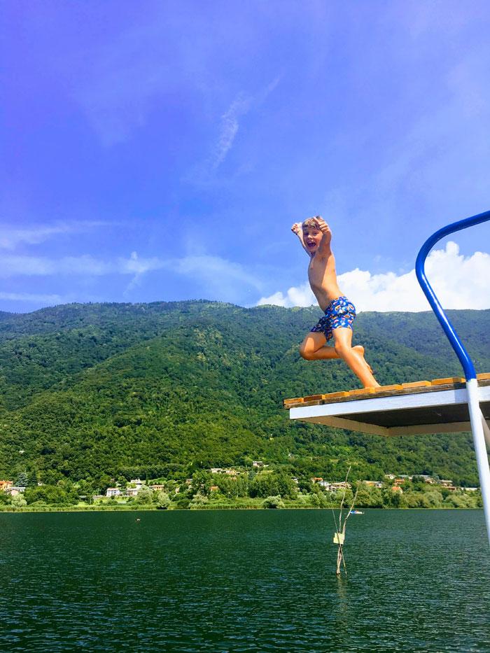 Camping al Lago in Italië, zwemmen in het meer