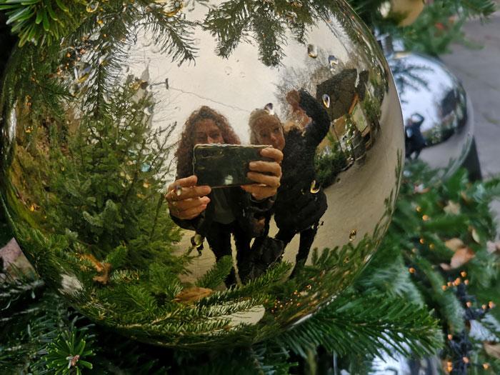Enorme kerstballen Mergelrijk