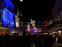 kerststad valkenburg bij nacht