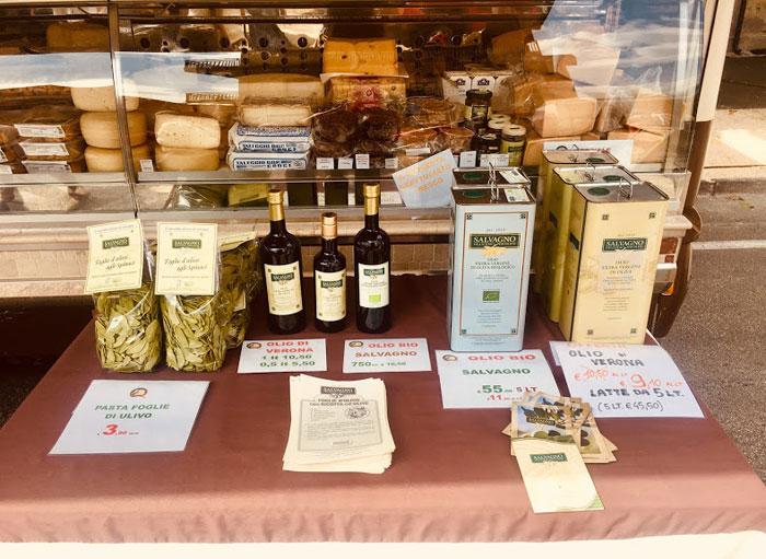 de wekelijkse markt in Vittoria Venoto