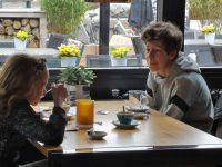geld vragen en kinderen laten betalen voor huishouden