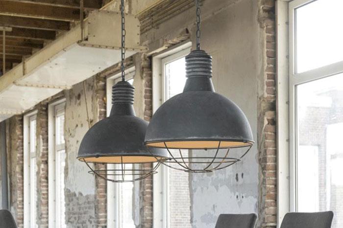 industriele hanglampen, robuust interieur