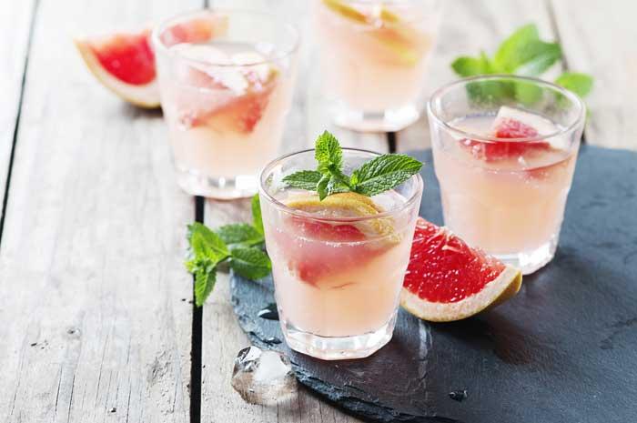 Mocktail met grapefruit maken