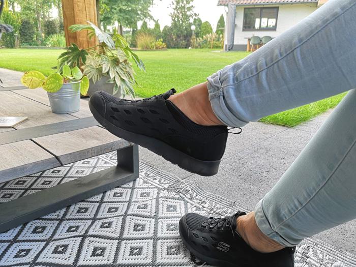 dames Skechers in de kleur zwart, sneakers