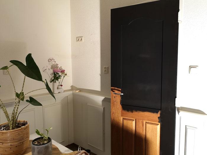 deuren schilderen van bruin naar zwart