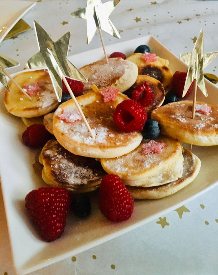 kerst pancakes voor het kerstdiner met de kinderen thuis