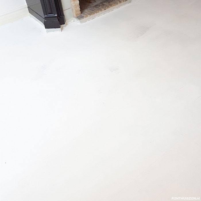 laminaat schilderen woonkamer, 2 lagen verf
